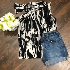 Tops - ❤️3 for $20- Sleeveless Blouse- size Large